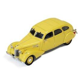 Ixo Models Berliet 11CV Dauphine 1939 geel - Modelauto 1:43