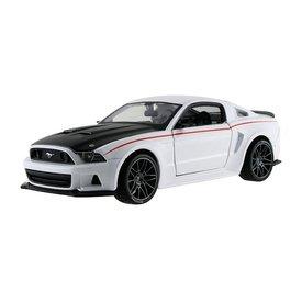Maisto Ford Mustang Street Racer 2014 white 1:24
