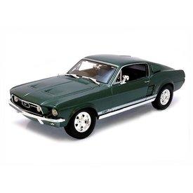 Maisto Ford Mustang GTA Fastback 1967 green - Model car 1:18