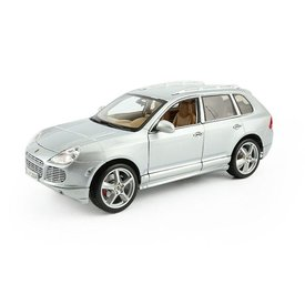 Maisto Porsche Cayenne Turbo zilver - Modelauto 1:18