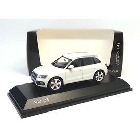 Schuco Audi Q5 2013 wit - Modelauto 1:43