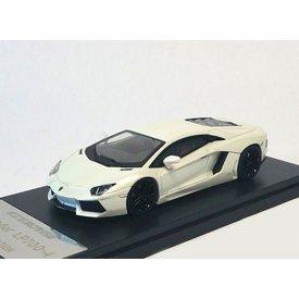 Welly Lamborghini Aventador LP 700-4 2013 white 1:43