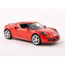 Motormax Alfa Romeo 4C rood 1:24