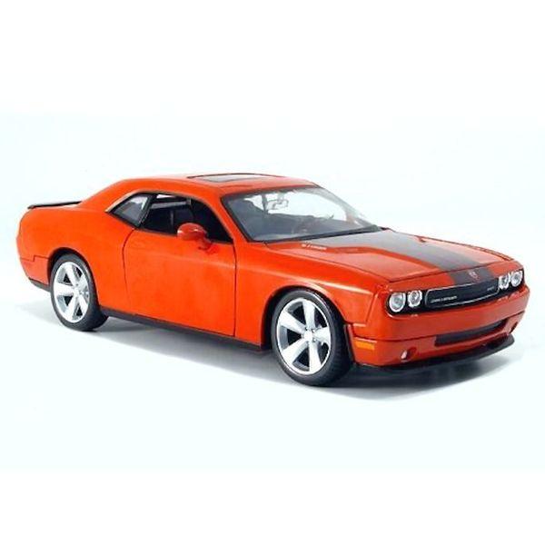 Modelauto Dodge Challenger SRT8 2008 oranje 1:24