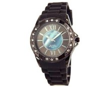 Attractive ladies watch with rhinestones
