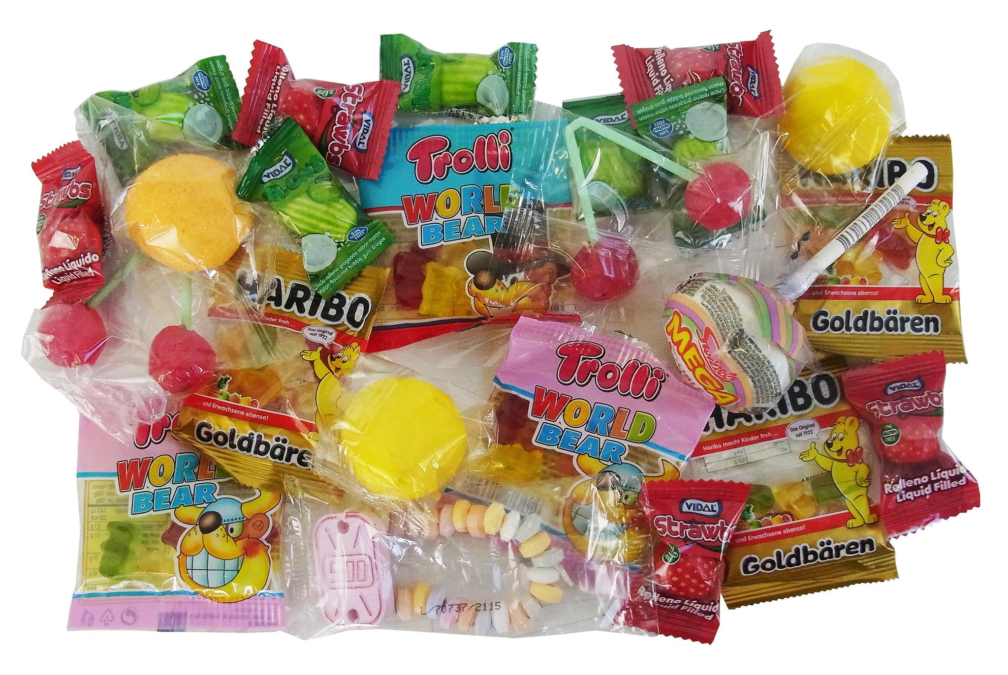 CAPTAIN PLAY Schultüte Dinosaurier 35cm gefüllt mit Süßigkeiten ohne Schokolade (20-teilig)