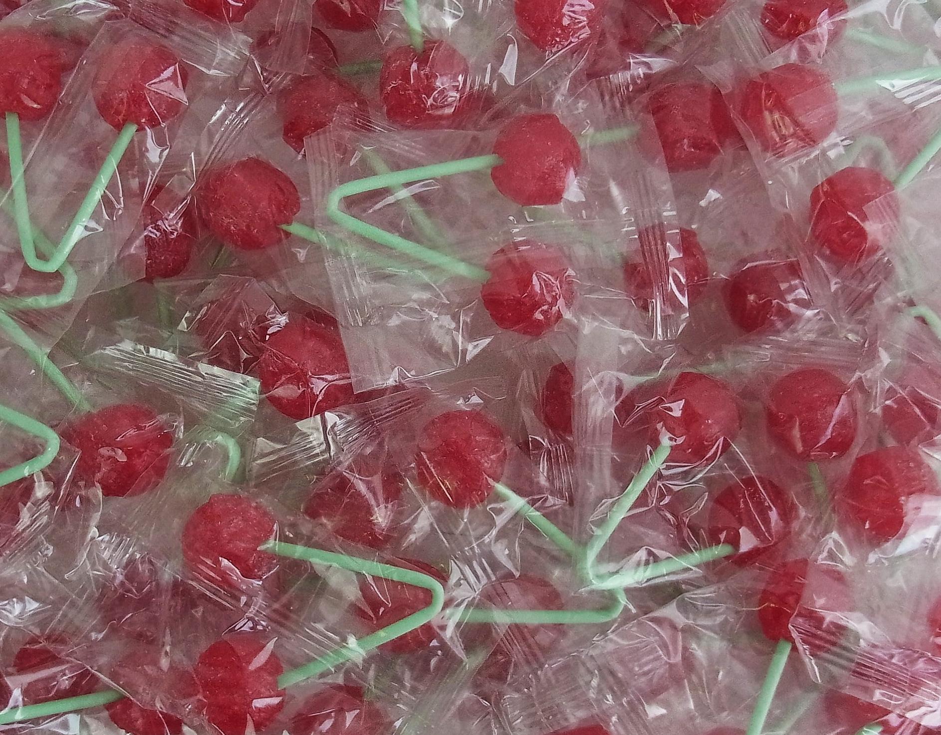 CAPTAIN PLAY Kirsch Lollis, Party Bucket mit 70 Doppel - Kirsch Lutschern, 1er Pack (1 x 945g)