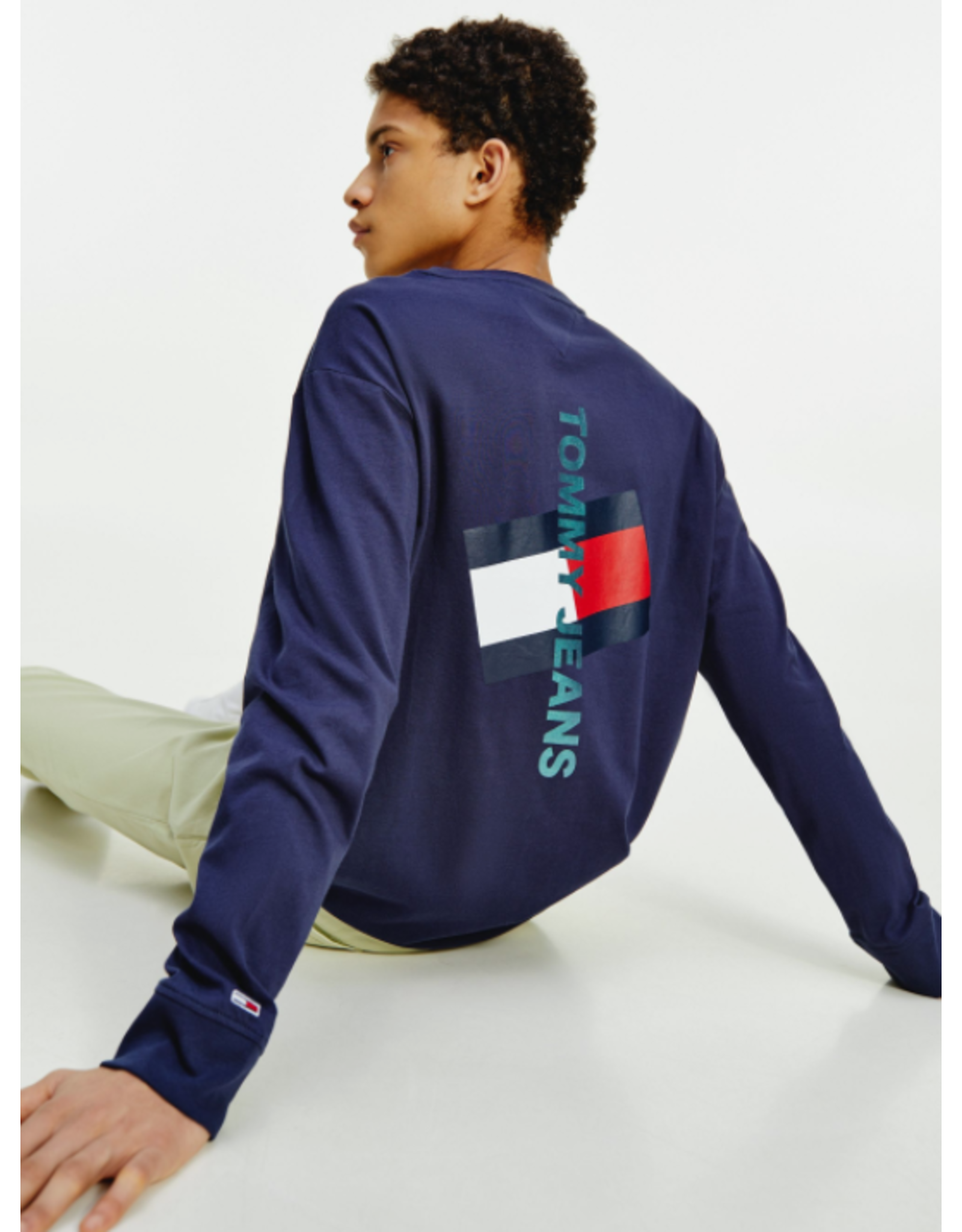 Tommy Jeans Vertical Logo Tee