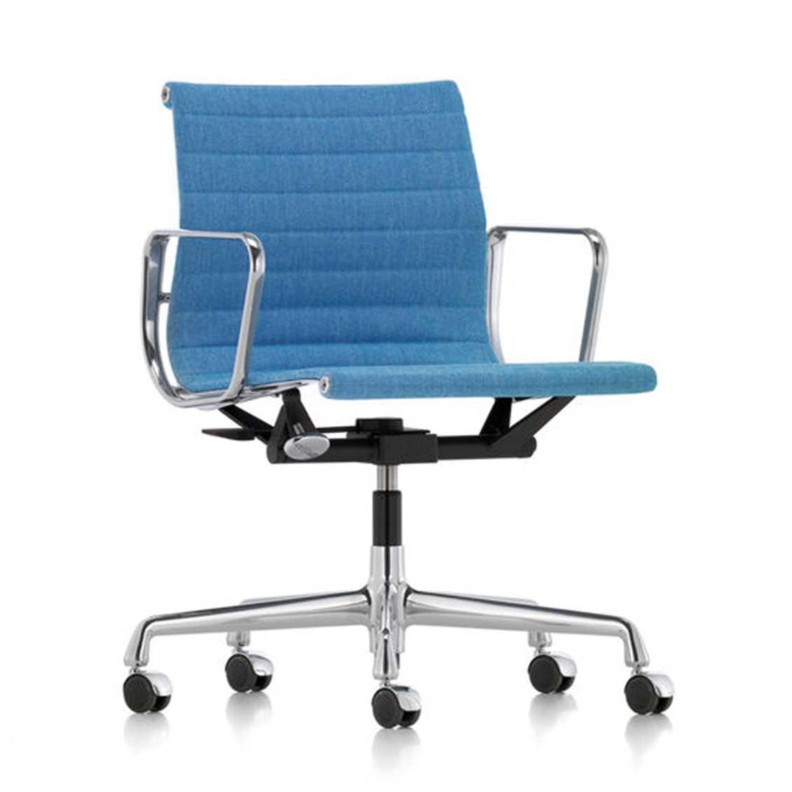 Eames Bureaustoel Vitra.Aluminium Chair Ea 117 Nordic New