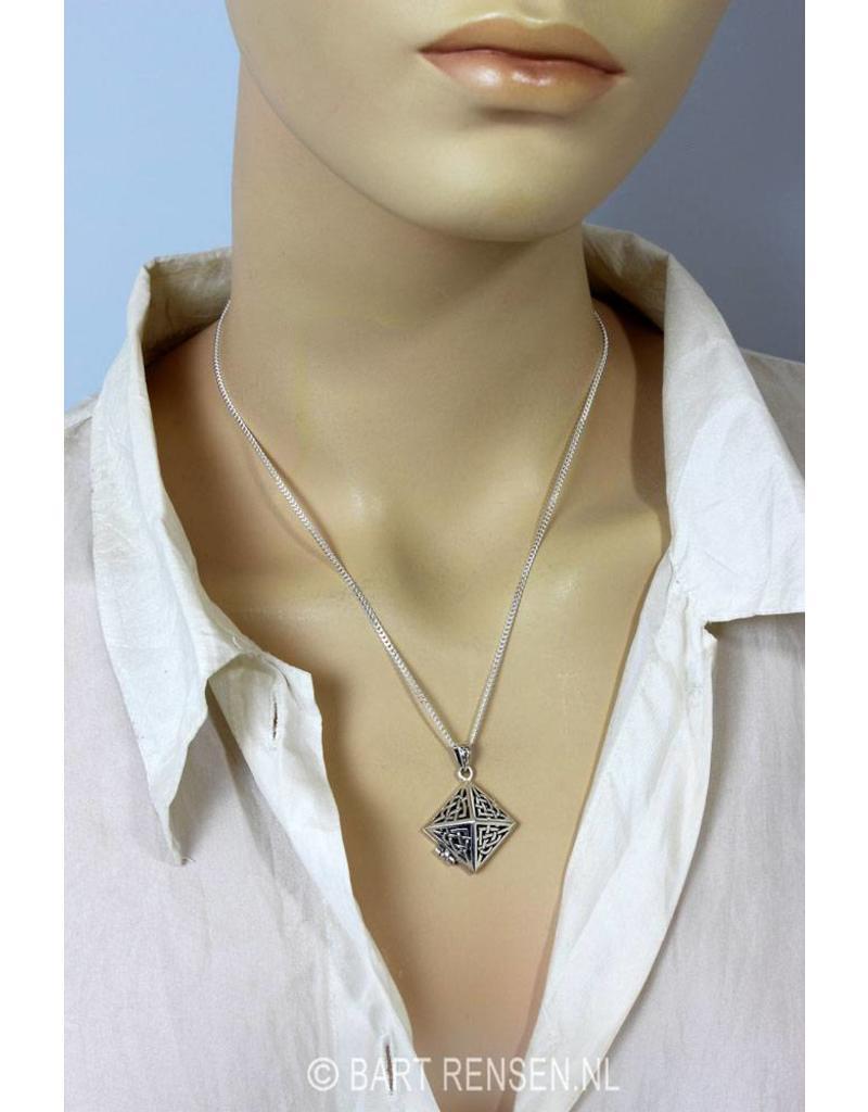 Keltisch Medaillon in piramidevorm - echt zilver