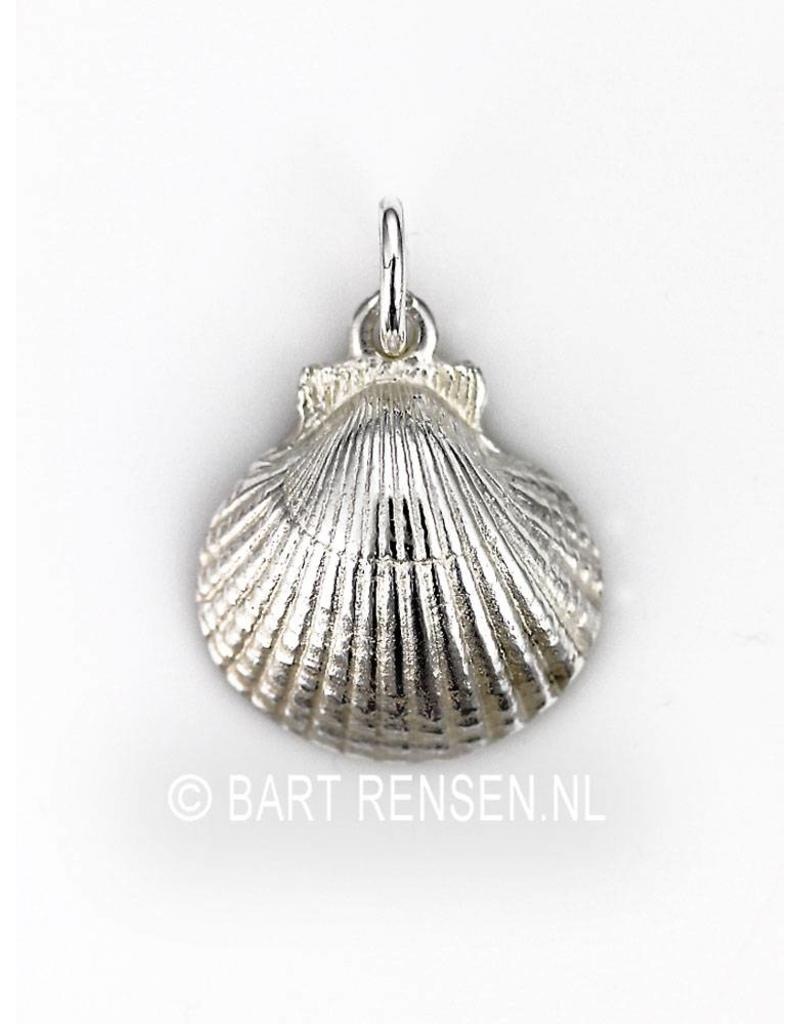 St. Jacobs shell pendant - sterling silver