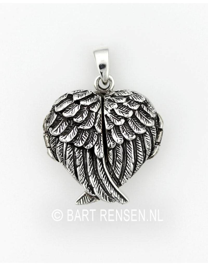 Wings medallion pendant - sterling silver