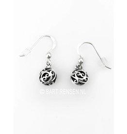 Zilveren Bolletjes oorhangers