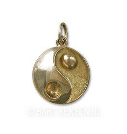 Yin-Yang pendant gold