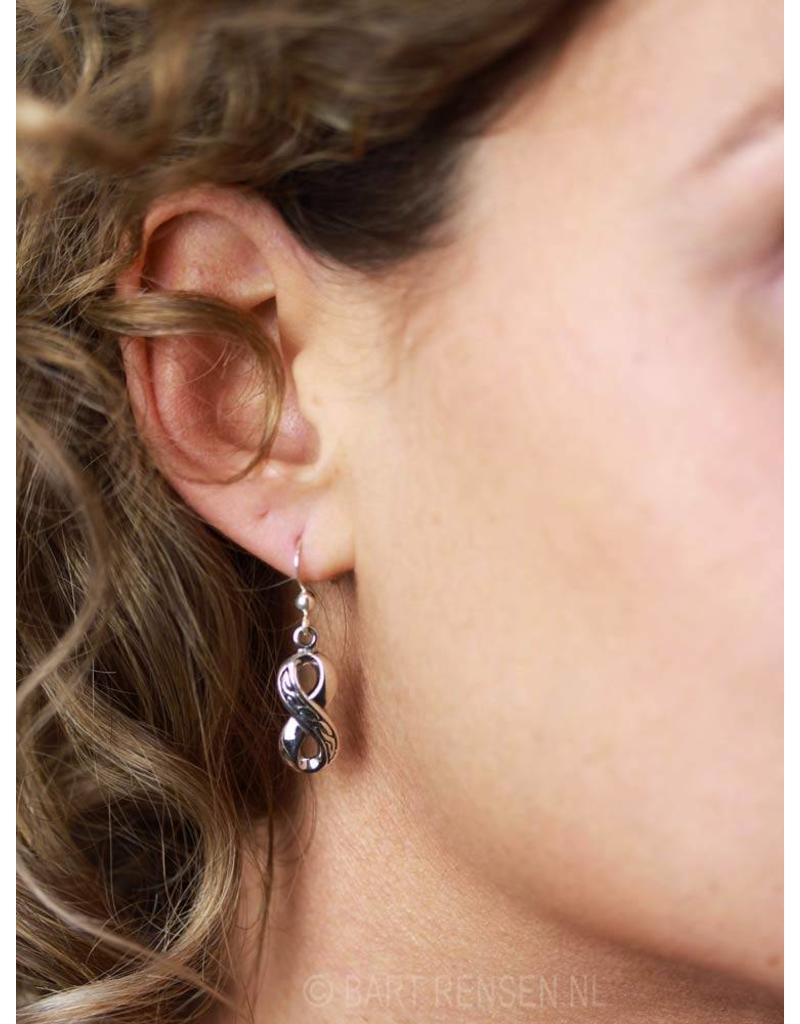 Lemniscaat - Infinity oorhangers - echt zilver