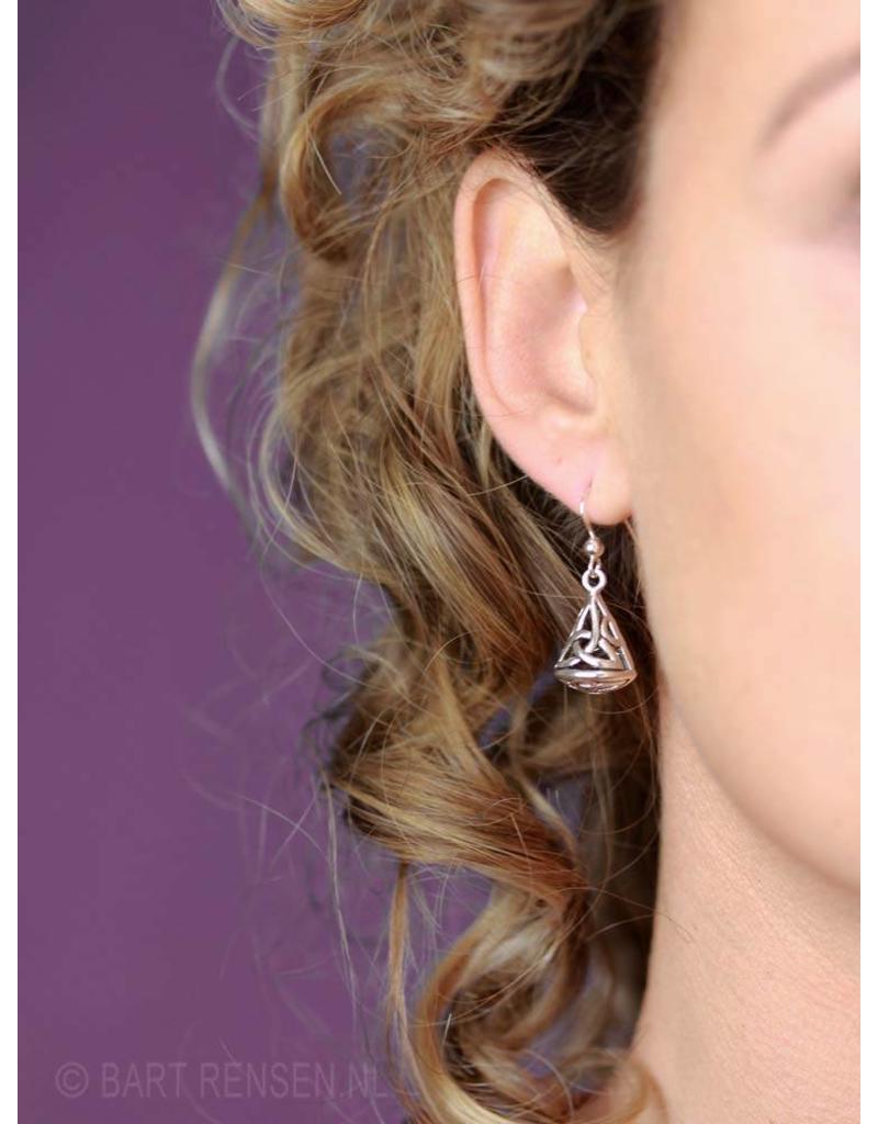 Triquetra Kegel oorhangers - echt zilver
