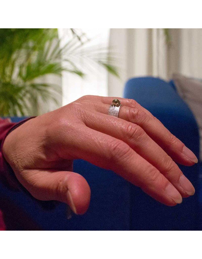 Ring met Gouden Bol