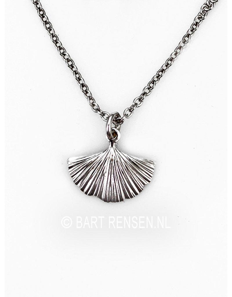 Ginkgo blad hangertje, incl ketting - echt zilver