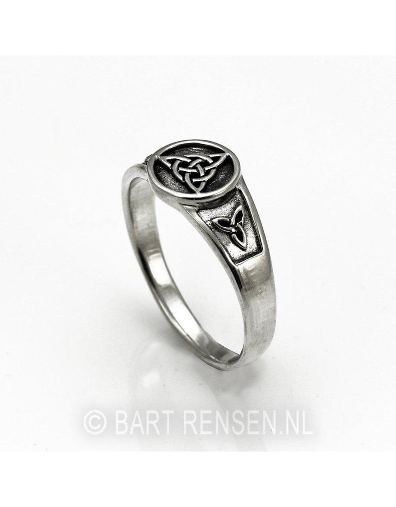 Triquetra  Ring  - echt zilver