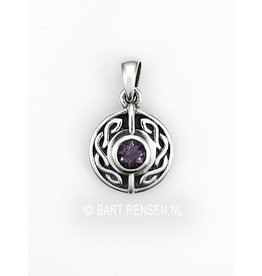 Celtic pendant with stone