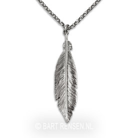 Feather pendant with chain - Silver
