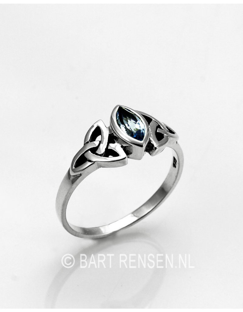 Triquetra Ring with Gemstone - sterling silver