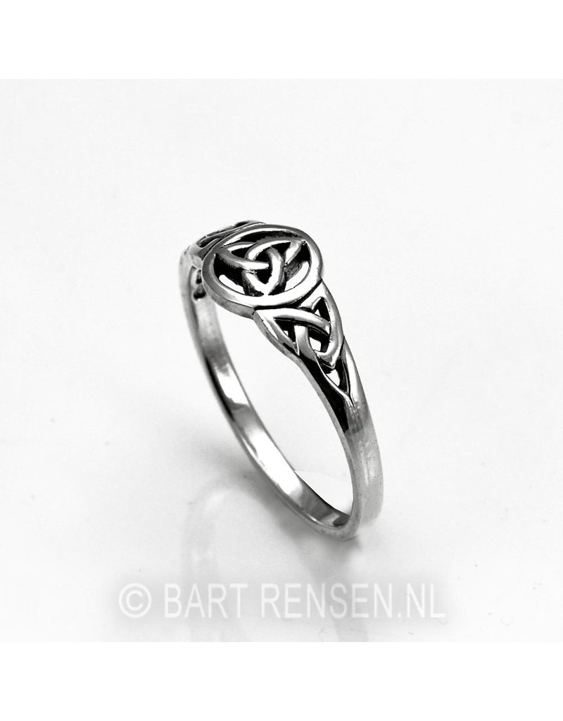 Triquetra Ring - sterling  silver