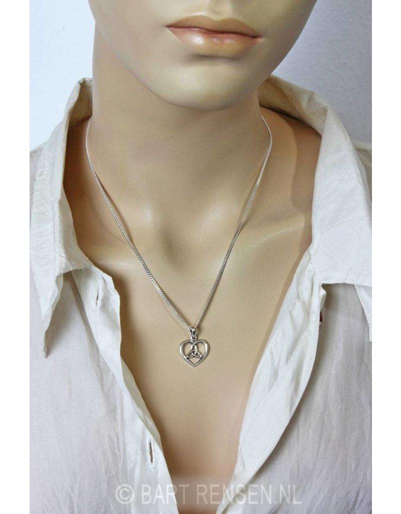 Triquetra pendant - 14 crt gold