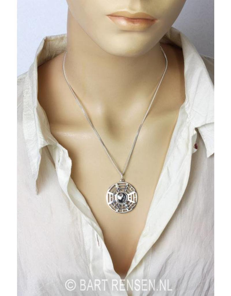Yin-Yang hanger (met Trigrammen) - echt zilver