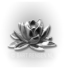 Lotus pin - silver