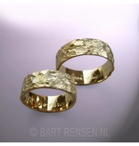 Wedding rings with structure - 14 crt gold