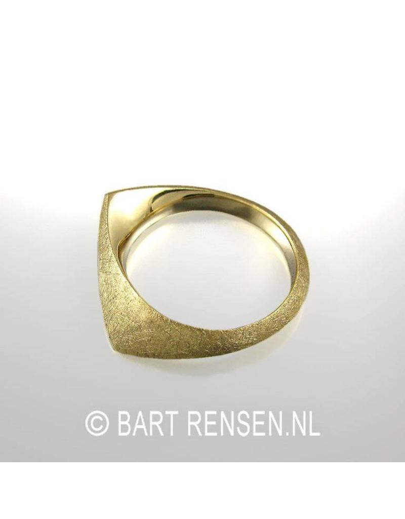 Golden Ring - 14 carat