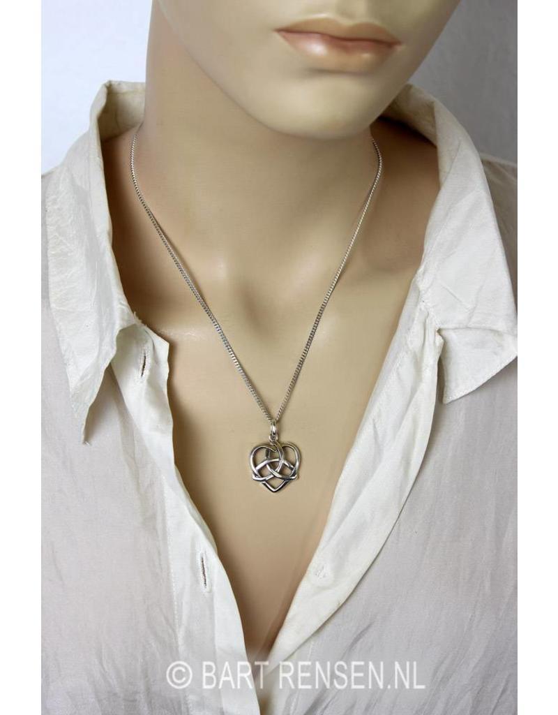 Triquetra hanger - echt zilver of 14 krt goud