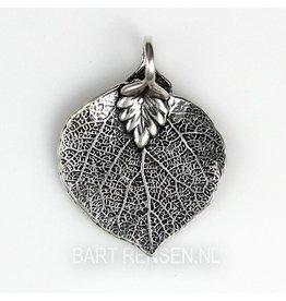 Buddha tree leaf pendant - silver