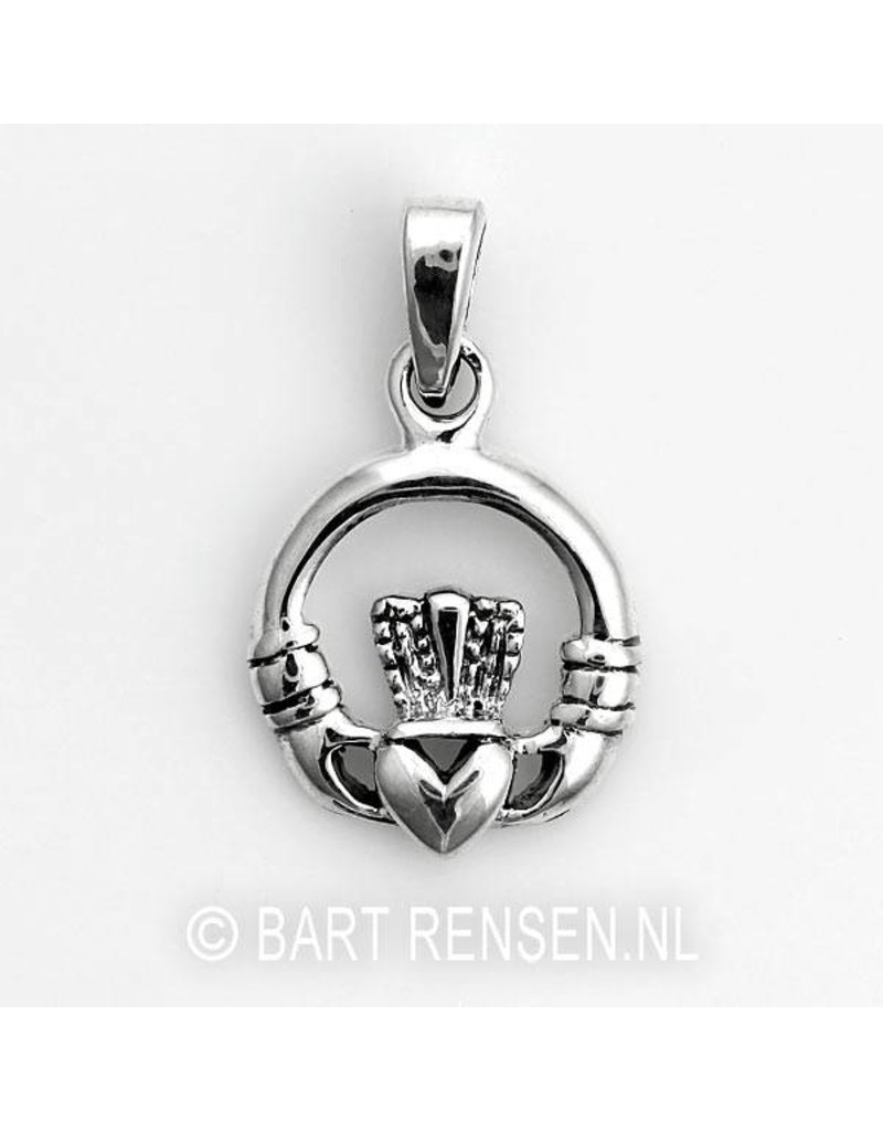 Claddagh pendant - sterling silver