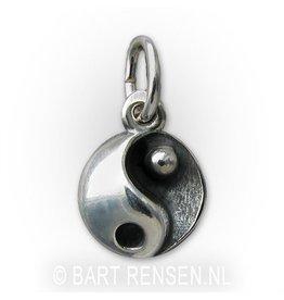 Yin Yang hangertje - zilver
