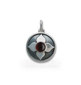 Chakra pendant with Garnet