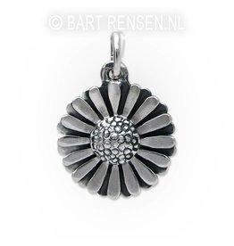 Daisy pendant - silver