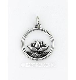 Lotus pendant - silver