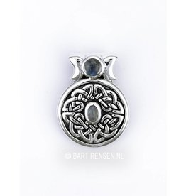 Celtic pendant with stones