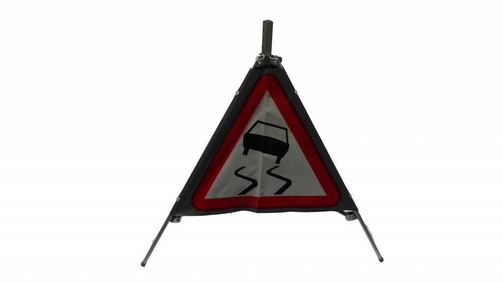 Tripan de signalisation dérapage A15