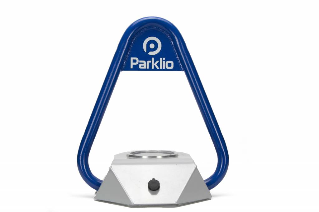 "Intelligent parking barrier ""PARKLIO"" - controled by your smartphone"