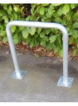 BIKE BRACKET WITH BASE PLATE 600 x 650 mm