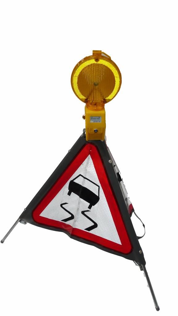 Driezijdig signalisatiebord slipgevaar A15