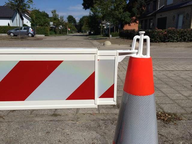 Barrière télescopique réglable