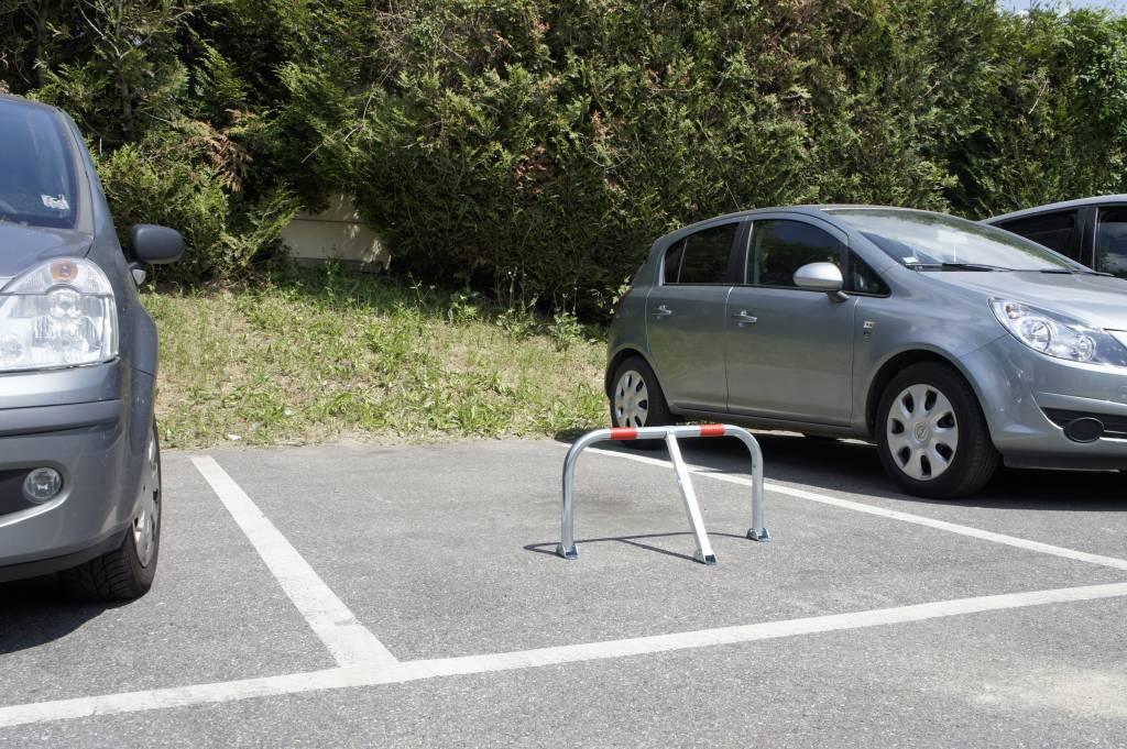 Parking bracket with padlock - 755 x 355 x Ø 38 mm