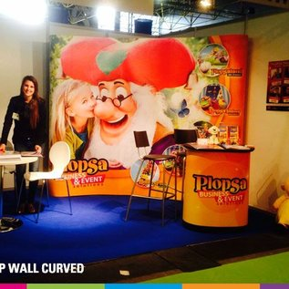 Pop up wall curved beurswand