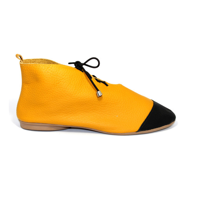 "SHOES ""NICKY"" SOFT LEATHER - MUSTARD - BRASIL"