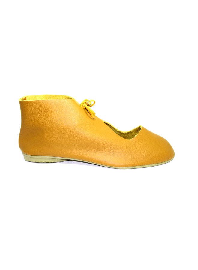 "SHOES ""NORA"" SOFT LEATHER - MUSTARD - BRASIL"