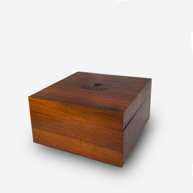 "LARGE ""GIFT BOX MADE OF LAUREL WOOD"" WITH 8 CHOCOLATE BARS AND 2 CHOCOLATED FRUITS - ECUADOR"